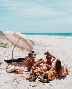 Friendship - friendship quotes, best friend images on We Heart It Summer Nights, Summer Vibes, Summer Fun, Best Friend Images, Best Friends, Friends Image, Summer Photos, Beach Bum, Food Blogs
