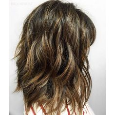 Beachy California Brunette. Color by @brookebent #hair #hairenvy #hairstyles #haircolor #brunette #balayage #highlights #newandnow #inspiration #maneinterest