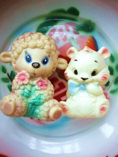 Kitsch animal toys
