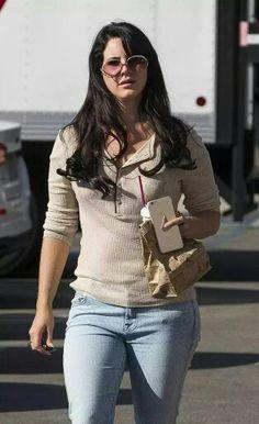 Lana Del Rey in Los Angeles yesterday #LDR