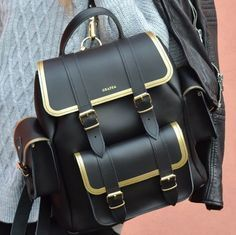 Cute Mini Backpacks, Stylish Backpacks, Fashion Handbags, Purses And Handbags, Fashion Bags, Stylish School Bags, Mini Mochila, Kawaii Bags, Accesorios Casual