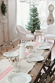 Dreamy whites | simple Christmas table setting!!! Bebe'!!! Simple but pretty and festive!!!