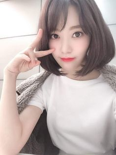Sakura with white t-shirt so cool. Yuri, Korean Best Friends, Sakura Miyawaki, Fandom, Japanese Girl Group, Pretty Asian, Ulzzang Girl, Kpop Girls, Anime Girls