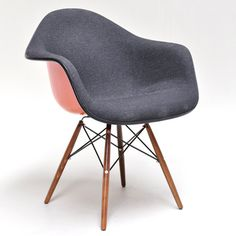 Armchair, Charles Eames. Fiberglass frame with grey felt.