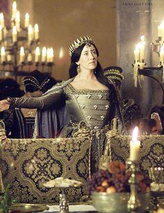 Catherine of Aragon, King Henry VIII's first wife, The Tudors Dinastia Tudor, Los Tudor, Tudor Style, Tudor Costumes, Period Costumes, Katharina Von Aragon, Tudor Series, King Henry, Henry Viii