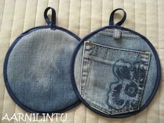 Potholder from recycled jeans   Love that you can use the pocket to hold it!!!!      Aarnilintu: Lettuja vai lappuja? /