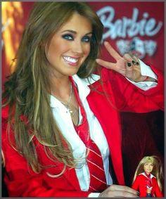 PORTAL DAS NOVELAS JG: Rebelde SBT Mia presenteia Lupita e Vick