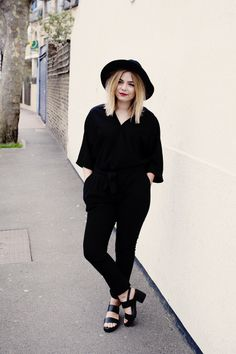 UK blogger Lily Melrose has awesome style! I'm totally smitten with this jet black jump suit, floppy hat, chunky heeled sandals and scarlet lip combo.