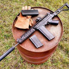 Weapons Guns, Airsoft Guns, Guns And Ammo, Assault Weapon, Assault Rifle, Fal Rifle, Battle Rifle, Cool Guns, Pew Pew