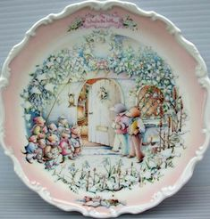 Royal Albert - Wind In the Willows Collection - Collector Plates www.royalalbertpatterns.com - 'The Carol Singers'