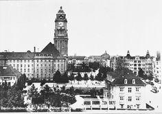 Berlin-Schöneberg: Rathaus Schöneberg and Rudolf Wilde Platz (now John F. Kennedy-Platz). 1925.