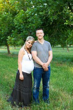Maternity Photo Idea            #pregnancy #matenity