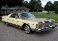 1977 Mercury Grand Marquis two tone color tan-gold Edsel Ford, Car Ford, Mercury Marquis, Mercury Cars, Grand Marquis, Ford Lincoln Mercury, American Classic Cars, Unique Cars, Us Cars