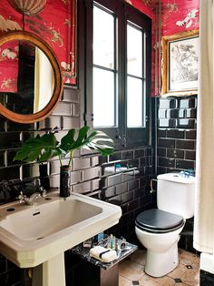 Bathroom. Home designed by Gabriel Escámez. Photo: Nuevo Estilo