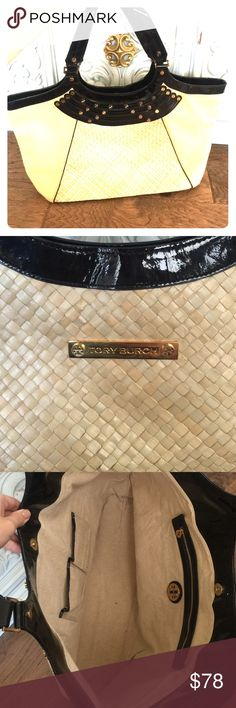 Tory Burch straw/ canvas/ patent leather large bag Gorgeous Tory Burch catch all bag. Great for the pool or beach! Woven straw and neutral canvas paired with black patent and gold accents. 100% authentic. Tory Burch Bags Totes