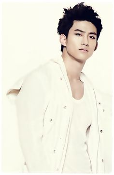 2pm Taecyeon... I remember seeing him in a drama (Cinderella's step-sister)... I seriously didn't know he was in 2pm...