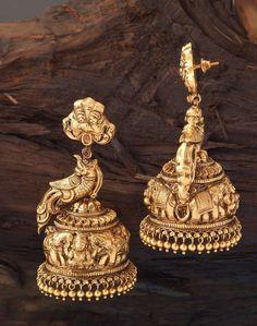JHUMKAS (ALOK SONI) Gold Jhumka Earrings, Indian Jewelry Earrings, India Jewelry, Antique Earrings, Temple Jewellery, Ethnic Jewelry, Antique Jewelry, Gold Jewellery Design, Gold Jewelry