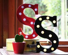 Vintage Carnival Style Marquee Light, Light up Letter S - Battery Operated/Various Colours - Perfect Night Light/Gift/Wedding Decor Alphabet Wallpaper, Name Wallpaper, Heart Wallpaper, Flower Wallpaper, S Letter Images, Alphabet Images, S Alphabet, Hanging Wooden Letters, Metal Letters