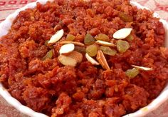 Gajar Ka Halwa is a sweet dessert pudding made by placing grated carrot in a pot containing a specific amount of water, milk and sugar and then cooking while stirring regularly. Indian Chicken Recipes, Indian Food Recipes, Vegetarian Recipes, Gajar Ka Halwa, Urdu Recipe, Desi Food, South Indian Food, Your Soul, Free Download