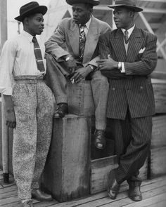 More examples of 1940s men's fashion like high-waisted trousers and the zoot suit. #1940s #40s #1940smenswear #1940smensfashion #40smenswear #40smensfashion #menswear #mensfashion #vintage...