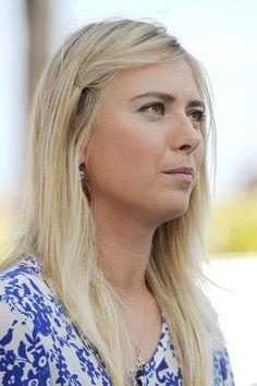 Maria Sharapovas blonde highlighted hairstyle