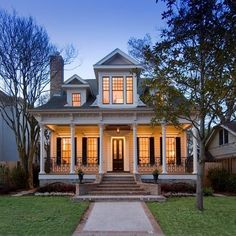 Creole Design. love the look of this home