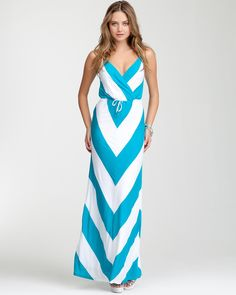 3. a daytime sightseeing look {bebe Mitered Stripe Maxi Dress} #bebe #wishesanddreams