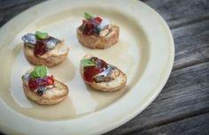 Crostini de Sardinha e Compota de Pimentos