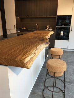 Kitchen counter Kitchen counter Kitchen block Kitchen Wooden counter www. Cheap Countertops, Concrete Countertops, Kitchen Countertops, Fireplace Remodel, Diy Fireplace, Home Office Design, House Design, Wooden Counter, Wood Slab