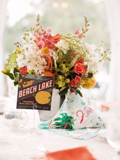 This centerpiece features a cheerful mix of snapdragons, spray roses, ranunculuses, and Queen Anne's lace, with pieces of citrus fruit to add a refreshing summery fragrance. Unique Wedding Centerpieces, Rose Centerpieces, Centerpiece Ideas, Post Wedding, Crazy Wedding, Wedding Ideas, Wedding Things, Wedding Decor, Dream Wedding
