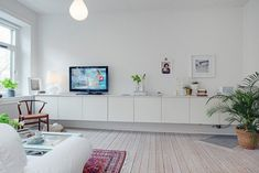 DIY your own floating tv unit with BESTA from IKEA Living Room Storage, Living Room Tv, Interior Design Living Room, Home And Living, Ikea Interior, Dining Room, Ikea Tv Unit, Floating Tv Unit, Ikea Storage