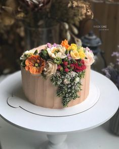 Try the falling pine branches, particularly. Do with more wintry designs, like r… - Cake Decorating Square Ideen Pretty Cakes, Cute Cakes, Beautiful Cakes, Amazing Cakes, Buttercream Flower Cake, Cake Icing, Eat Cake, Fancy Cakes, Mini Cakes