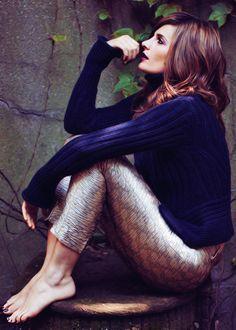 Stana Katic in Ladies' Home Journal magazine 2013 Barefoot Girls, Kate Beckett, Canadian Actresses, Sexy Toes, Stana Katic, Celebs, Celebrities, Feminine, Photoshoot