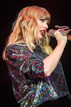 Taylor|#jingleball #chicago 12/7/17