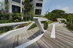 wtf is that white material, i love it Landscape Elements, Landscape Architecture Design, City Landscape, Urban Landscape, Architecture Details, Urban Furniture, Street Furniture, Modern Landscaping, Outdoor Landscaping