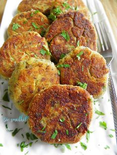 Monika od kuchni: Pierogi z pasztetem Veggie Recipes, Vegetarian Recipes, Healthy Recipes, Kitchen Recipes, Cooking Recipes, Good Food, Yummy Food, Dinner Dishes, Carne