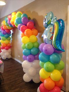 My little pony rainbow arch. Clouds on bottom with bright sunny colors to make y. - My little pony rainbow arch. Clouds on bottom with bright sunny colors to make you smile. My Little Pony Balloons, Festa Do My Little Pony, My Little Pony Birthday Party, Unicorn Birthday Parties, 5th Birthday, Birthday Ideas, Festa Rainbow Dash, Rainbow Dash Birthday, Rainbow Unicorn Party
