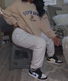 Image uploaded by Jasmine. Find images and videos on We Heart It - the app to get lost in what you love. Curvy Girl Outfits, Tomboy Outfits, Cute Swag Outfits, Chill Outfits, Cute Comfy Outfits, Tomboy Fashion, Dope Outfits, Teen Fashion Outfits, Retro Outfits
