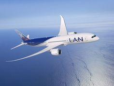 An image of LAN's Boeing 787-9 Dreamliner.