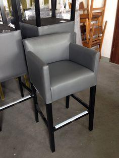 Hoker fotelikowy