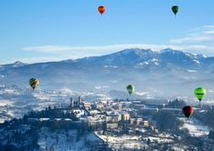 An amazing experience: a balloon tour over ROME's countryside. Breathtaking scenery that you will always bring home with you. Contact us for further info! Ideal for individuals, groups, special events, video photography or flights for your events, VIP flights. Indulge in Italy from the sky!