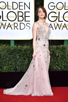Emma Stone looks stunning on the red carpet.