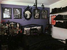 Dark Home Decor, Goth Home Decor, Gypsy Decor, Goth Bedroom, Room Ideas Bedroom, Bedroom Office, Gothic Room, Halloween Bedroom, Purple Walls