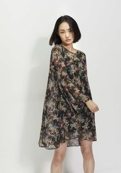 SS17-spring-summer-2017-fashion-blog-bogger-blogueuse-belge-trends-wallflower-flower-power-french-brand-ikks-black-print-dress