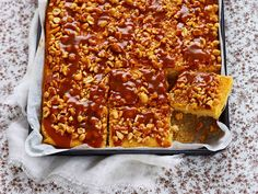 Kinuski-suolapähkinäpalat Sweet Pastries, Sweet Pie, Something Sweet, No Bake Desserts, Yummy Cakes, Food To Make, Sweet Tooth, Brunch, Food And Drink
