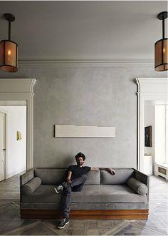Architekt Joseph Dirand in seiner Wohnung - wer ist dieser Shootingstar unter den jungen Architekten? Porträt über ihn, hier klicken: http://www.leuchtend-grau.de/2016/07/Wohnung-des-Architekten-Joseph-Dirand.html / Interior * Minimalism by LEUCHTEND GRAU