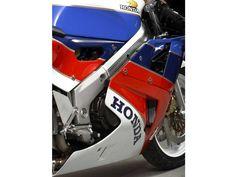 Honda VFR 750R RC30 (1988) - Super7moto Honda 750, Motos Honda, Honda Bikes, Two By Two, Motorcycles, Cars, Electric Motor, Racing, Honda Motorcycles