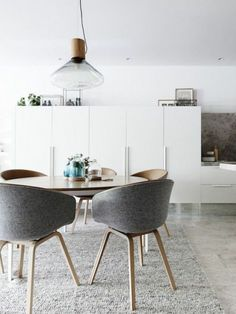Melbourne Home · Eddie Kaul and Richa Pant Kitchen / dining details. Dining table by Daniel Barbera, chairs by Hay, glass domes by Amanda Dziedzic. Via The Design Files. Dining Room Design, Dining Area, Ikea Dining Table, Nook Table, Round Dining Table Modern, Round Table And Chairs, Round Tables, Elegant Dining, Small Dining