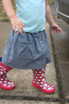 again with the chambray… Hopscotch, Baby Girl Dresses, Rock, Victoria, Sewing For Kids, Kids Wear, Chambray, To My Daughter, High Waisted Skirt
