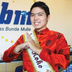 Selamat untuk Samuel Julianto. Mahasiswa Universitas Bunda Mulia program studi Manajemen semester 7 ini terpilih sebagai Koko Favorit Jakarta 2013 dalam ajang Koko Cici Jakarta 2013.
